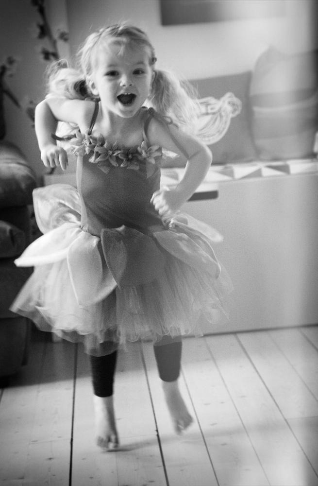 Freja dansar till Emil